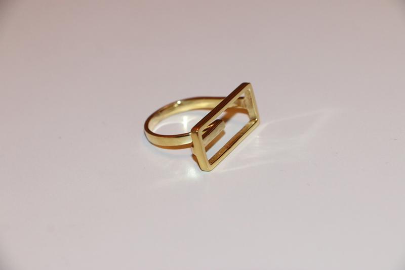 Ring F002